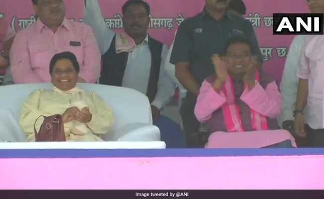 छत्तीसगढ़ में गठबंधन के बाद मंच पर मायावती-जोगी दिखे साथ, BSP सुप्रीमो बोलीं- जो सम्मान कांग्रेस ने नहीं दिया, हम देंगे