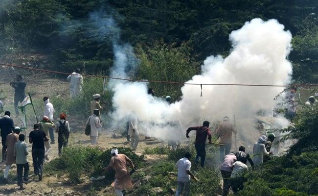 किसानों पर लाठीचार्ज : कांग्रेस बोली- दिल्ली सल्तनत का बादशाह सत्ता के नशे में, पढ़ें विपक्ष के 15 बड़े हमले