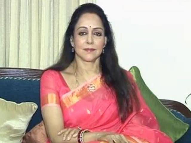 Video : Hema Malini Highlights The <i>Swachh</i> Initiatives Being Taken In Mathura