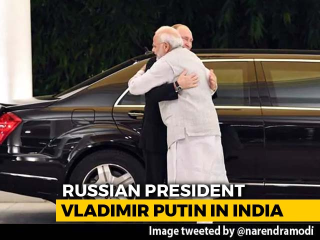 Video : PM Modi Welcomes Putin With Hug, Focus On S-400 Missiles Deal