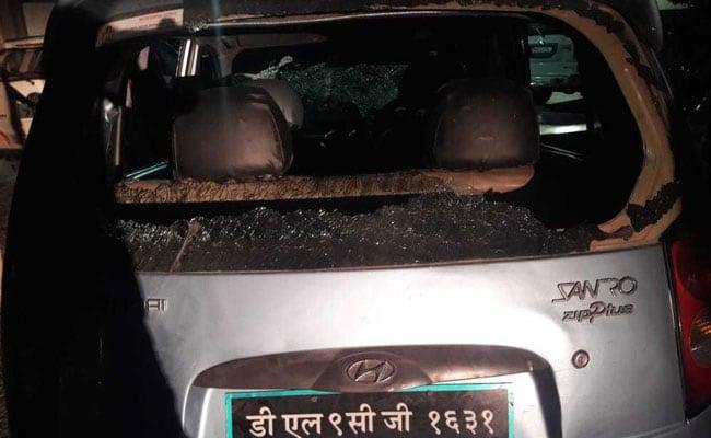 झड़प में दो लोगों के घायल होने के बाद कन्हैया कुमार के काफिले पर हमला