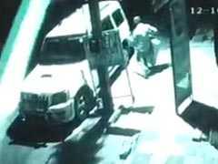 दिल्ली : इलेक्ट्रॉनिक शॉप का सामान वाहन में भरकर ले गए चोर