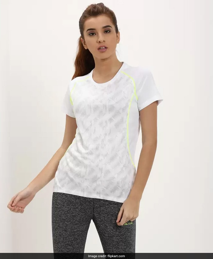 75c8275eb A rush is exactly what you need when you're headed to the gym - and this  ombre shaded t-shirt from 2GO on Flipkart screams exactly that.