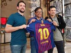 """""""DIDI, No. 10"""": From Lionel Messi, A Special Jersey For Mamata Banerjee"""