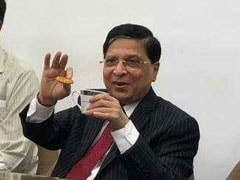 Chief Justice Stops Lawyer Who Sings For Him On Last Day As Top Judge