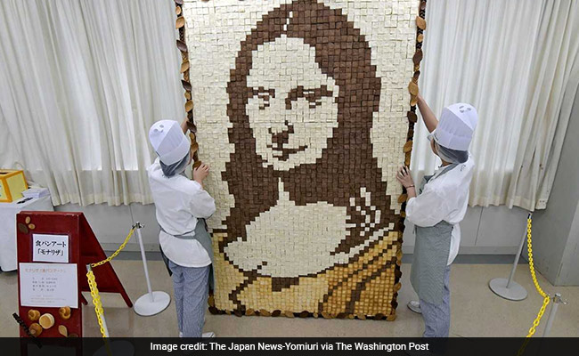 Mona Lisa Mosaic Created With Over 2,000 Slices Of Bread