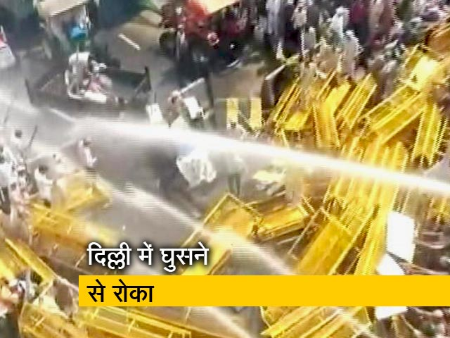 Videos : दिल्ली-यूपी बॉर्डर पर डटे हुए हैं किसान