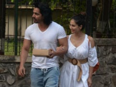 Rumoured Couple Kim Sharma And Harshvardhan Rane Take Over Mumbai
