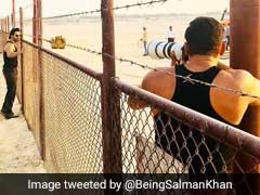 सुनील ग्रोवर के बाद वरुण धवन के साथ भी कर डाला सलमान खान ने ये काम, फोटो हुईं वायरल