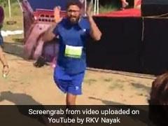 VIDEO: एक पैर से पूरी की 10 किलोमीटर की मैराथन, फिर Jhingat पर किया बिंदास डांस