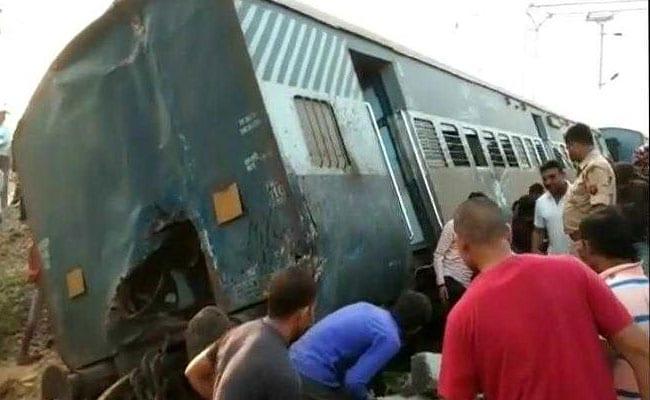 आखिर कैसे रुकें रेल दुर्घटनाएं, जब पटरियों की मरम्मत करने वाले गैंगमैन के खाली हैं हजारों पद