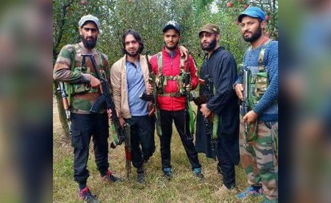 पीडीपी विधायक एजाज मीर का फरार एसपीओ आतंकी संगठन हिजबुल मुजाहिदीन में शामिल