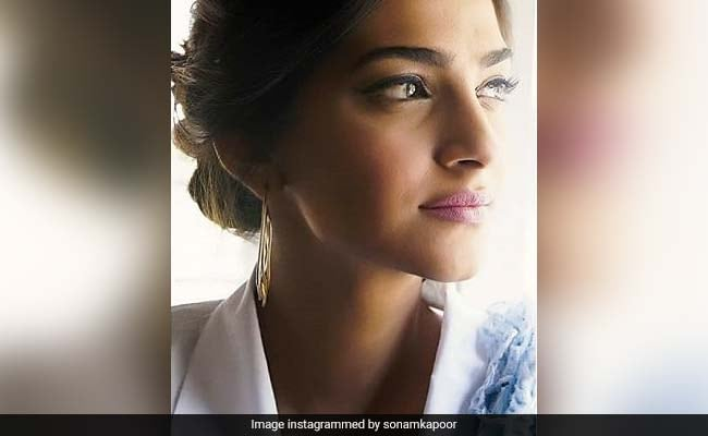 Sonam Kapoor Signs Off From Twitter With This Message