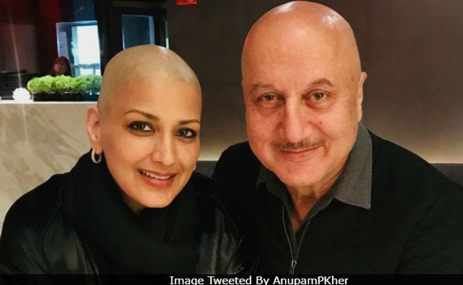 'Twinning From Head To Toe:' Sonali Bendre's Caption For Pic With Anupam Kher