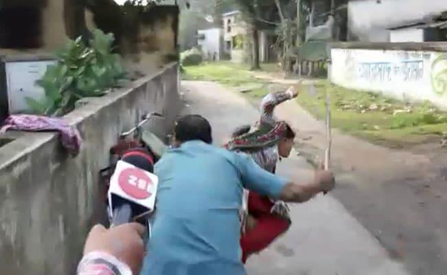 तृणमूल नेता-समर्थकों की गुंडागर्दी, BJP की महिला समर्थक को बुरी तरह पीटा, देखें- VIDEO