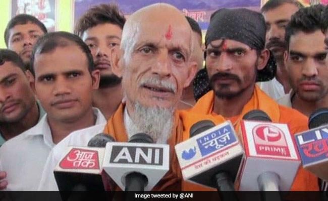 मुस्लिम से हिन्दू बने धर्म सिंह ने कहा, मोदी जी के भारत में मुस्लिमों के साथ सही व्यवहार नहीं होता, मुझे इंसाफ चाहिए