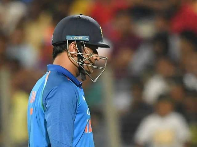 India vs West Indies: MS Dhoni Fails To Perform In 3rd ODI, Twitter Erupts In Disappointment