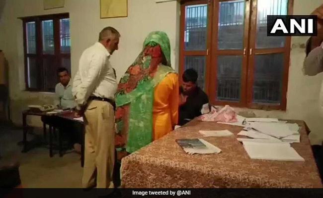 Jammu-Kashmir Civic Body Polls:कड़ी सुरक्षा व्यवस्था के बीच चल रहा दूसरे चरण का मतदान