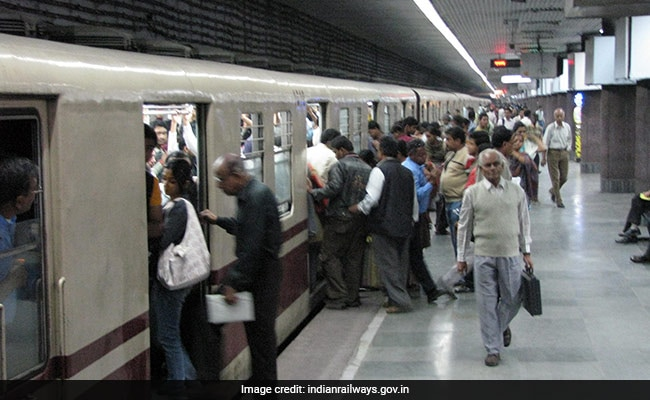 Kolkata Metro Records Highest-Ever Footfall Due To Durga Puja Rush