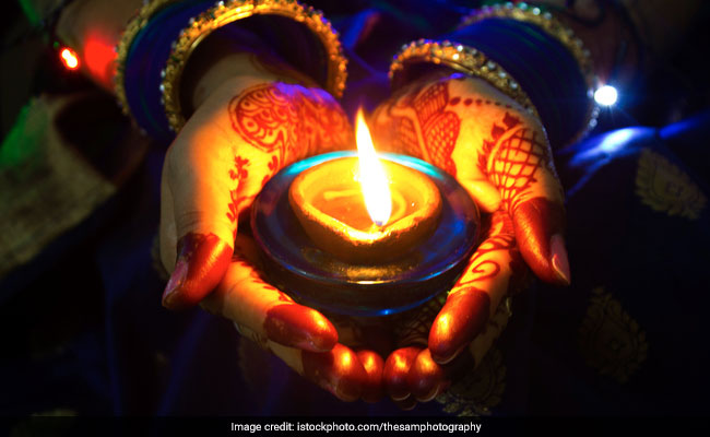 Karwa Chauth 2019: 6 Tips To Ensure Easy and Healthy Fasting