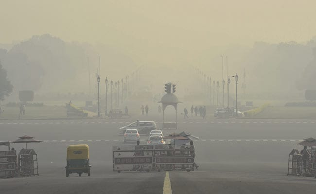 A day before Diwali, Delhi`s air quality `improves` to `very poor`