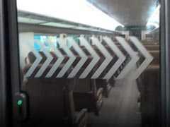 यूरोप की ट्रेनों जैसी दिखने वाली देश की पहली 'इंजन-रहित' T18 ट्रेन उतरेगी पटरी पर, जानें खासियतें