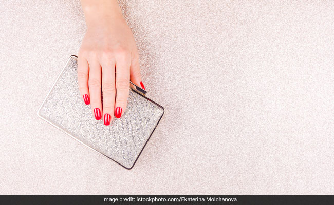 5 Stunning Clutches That Will Be The Showstoppers Of Your Look