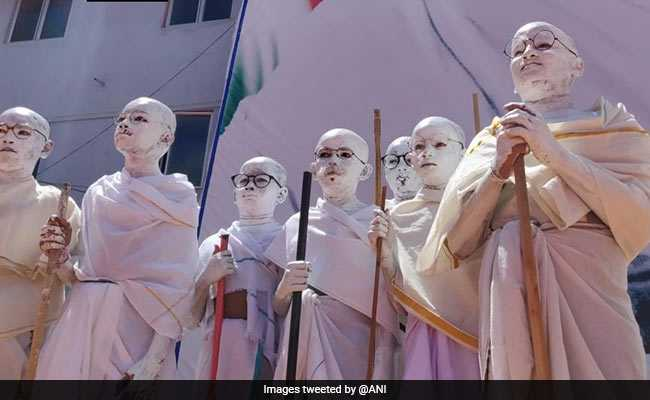 In Chennai School, Kids Dress Up As Mahatma Gandhi, Perform Yoga