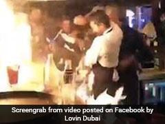 बारटेंडर कर रहा था ऐसा स्टंट, भड़क गई आग और जल गए महिला के कपड़े, वायरल हुआ VIDEO