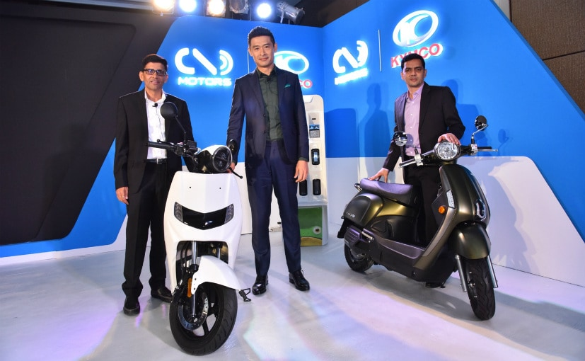 Parveen Kharb and Vijay Chandrawat, Co-Founders, Twenty Two Motors and Allen Ko, Chairman, KYMCO