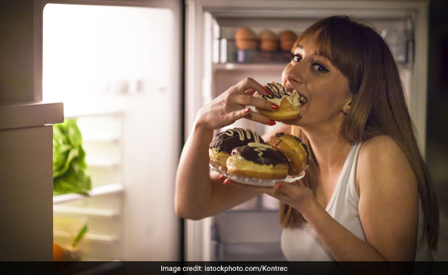 Does Eating Late At Night Cause Weight Gain? Health Hazards Of Eating Late At Night