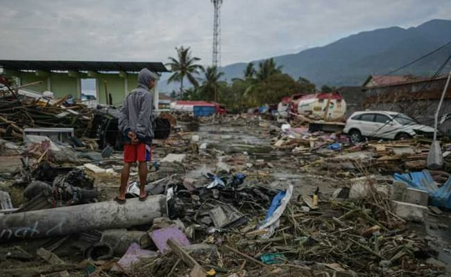 Number Of Missing People Reaches 5,000 After Quake, Tsunami Hit Indonesia