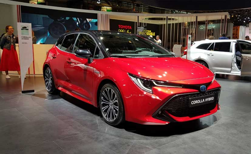 2018 paris motor show new toyota corolla hybrid unveiled ndtv carandbike. Black Bedroom Furniture Sets. Home Design Ideas