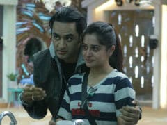 <i>Bigg Boss 12</i>: Vikas Gupta Schools Sreesanth, Dipika Kakar For 'Homophobic Comments' On Rohit Suchanti