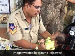 इस पुलिस कॉन्स्टेबल ने जीता दिल, मां दे रही थी परीक्षा तो बाहर रो रही थी बच्ची, गोद में लेकर ऐसे कराया चुप