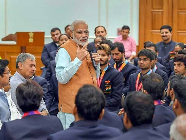 PM Modi, Rajyavardhan Rathore Felicitate Para-Athletes At Awards Function