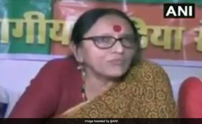 #MeToo: अकबर पर लगे आरोपों पर बोली BJP नेता- महिला पत्रकार इतनी मासूम नहीं कि कोई फायदा उठा सके