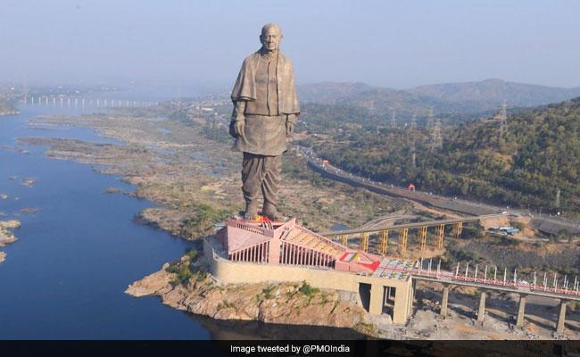 Flashback 2018: जब मूर्ति निर्माण और शहरों के नाम बदलकर विवादों मे घिरी सरकार
