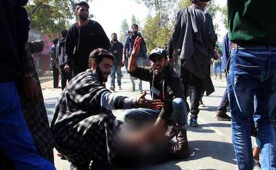 6 People Killed, 40 Injured After Encounter In Kashmir, Cops Blame Blast