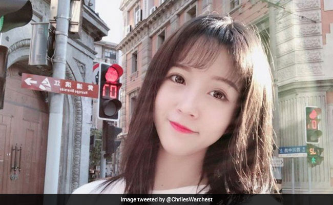 China detains internet star for 'disrespecting' national anthem in 10-second segment