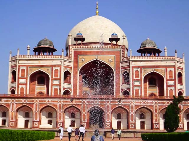 Video: Delhi: The City Of Dreams