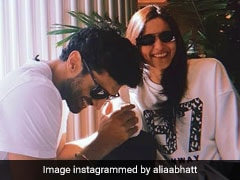 Look Whom We Spotted Alia Bhatt With At The Airport