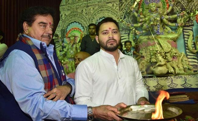 Shatrughan Sinha 'Crowns' Tejashwi Yadav At Puja Pandal In Patna