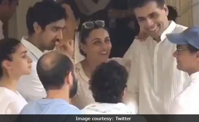 Aamir Khan, Rani Mukerji And Karan Johar Weren't Serious Enough For The Internet At Krishna Raj Kapoor's Funeral