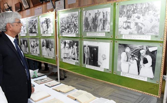 अलीगढ़ मुस्लिम विश्वविद्यालय में फिर जागा जिन्ना का 'जिन्न' , जानिए क्या है मामला