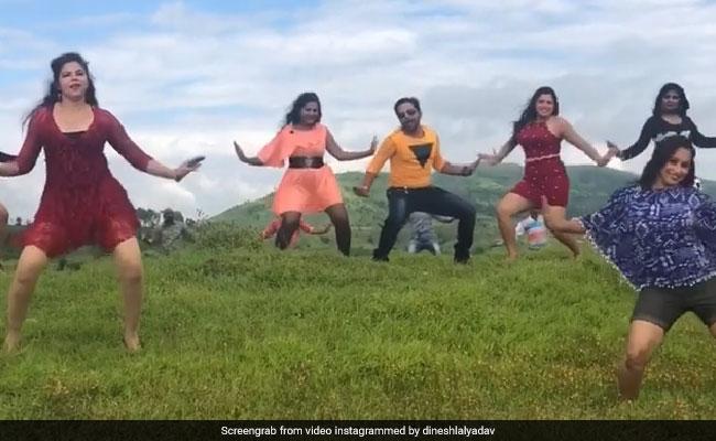 आम्रपाली दुबे के साथ निरहुआ ने कुछ यूं लगाए ठुमके, Video मिनटों में हो गया वायरल
