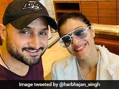 """Jab I Met Simran"": Harbhajan Singh Shares Adorable Selfie With Kajol"