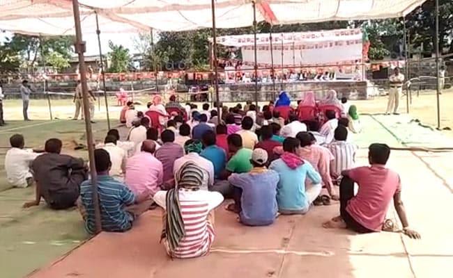 छत्तीसगढ़ विधानसभा चुनाव 2018 : ...जब बीजेपी के केंद्रीय मंत्री की सभा में जुटे केवल 50-60 लोग