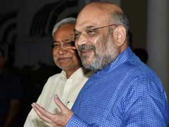 Amit Shah, Nitish Kumar Talk As NDA Keeps Lead In Bihar