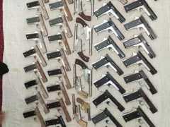 अवैध हथियारों का धंधा करने वाले गिरोह का भंडाफोड़, पांच गिरफ्तार